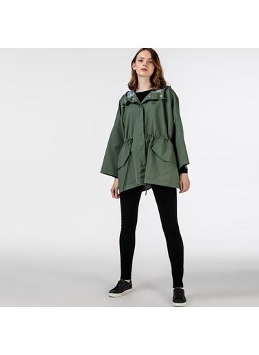 Lacoste Kadın Kapüşonlu Mont BF0101.01H Yeşil